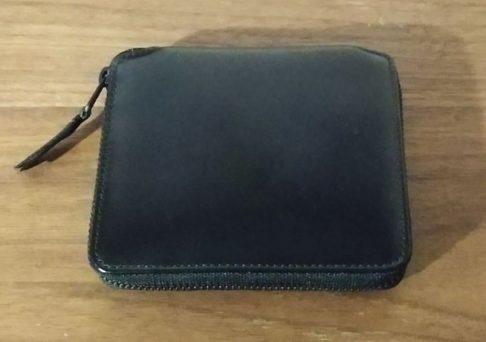 コムデギャルソン VERY BLACK LINEの二つ折り財布の写真